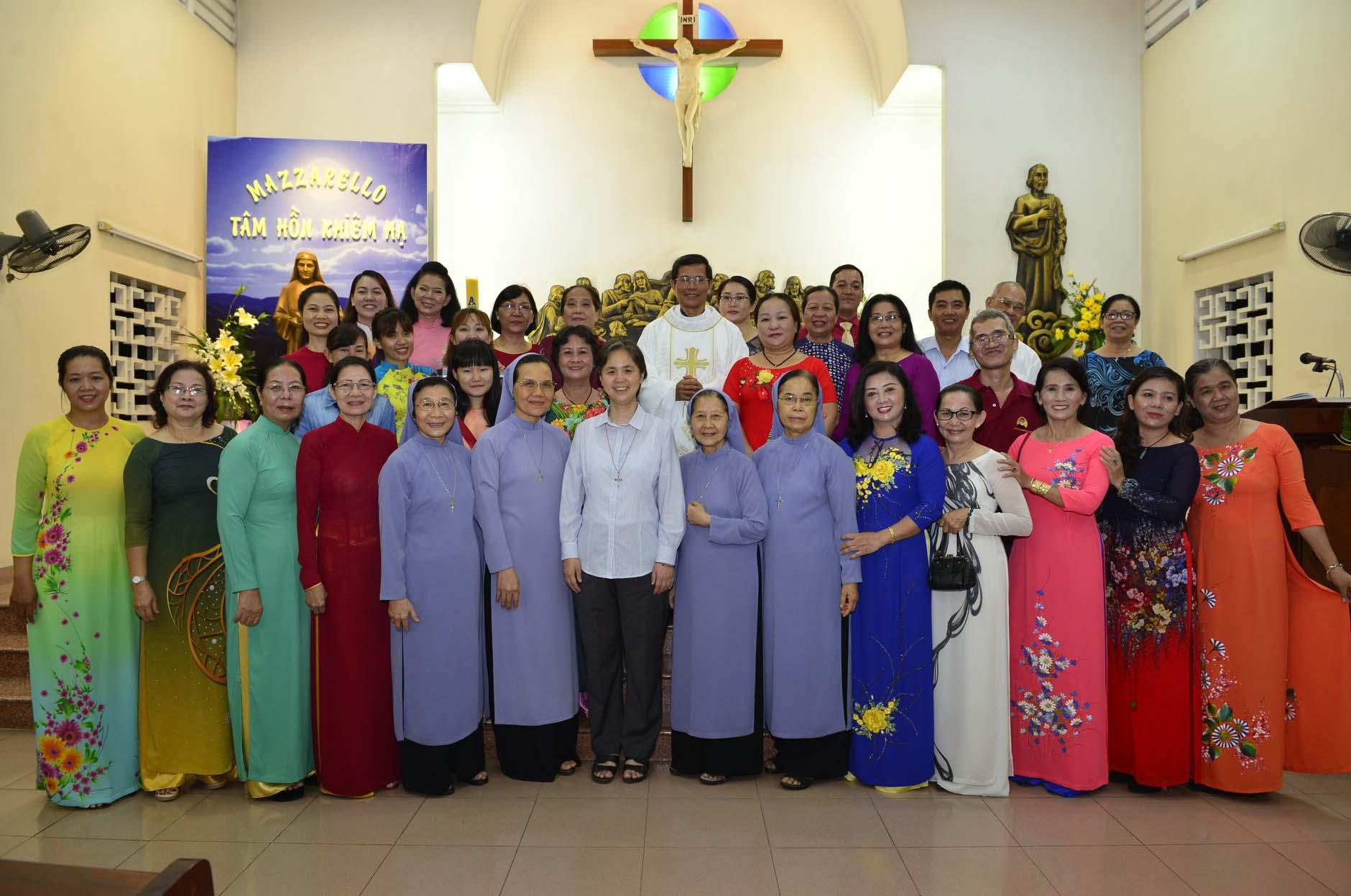 Cộng tác viên Trung tâm Mazzarello mừng lễ Bổn Mạng và mừng 15 năm thành lập