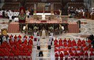 """Nhiều học giả kêu gọi các Hồng Y: hãy xin Đức Thánh Cha rút bỏ việc thay đổi giáo lý về """"án tử hình""""."""