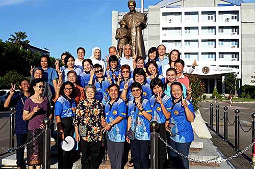 Các Cộng tác viên Salêdiêng tại vùng đông bắc Thái lan đang cố gắng phát triển