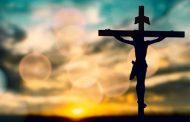 Thứ sáu Tuần Thánh: Hôn kính Đức Kitô chịu đóng đinh