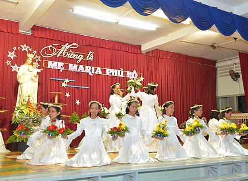 Mừng lễ Mẹ Phù Hộ - Bổn mạng Tỉnh dòng Mẹ Phù Hộ Việt Nam