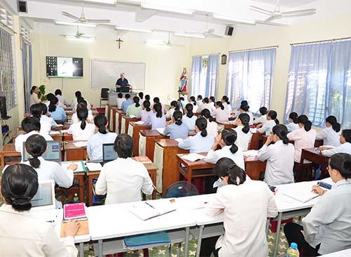"""Thường huấn về """"Giáo dục nhân quyền và Hệ thống Dự phòng của Don Bosco"""""""