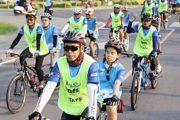 Đi xe đạp cùng với người mù