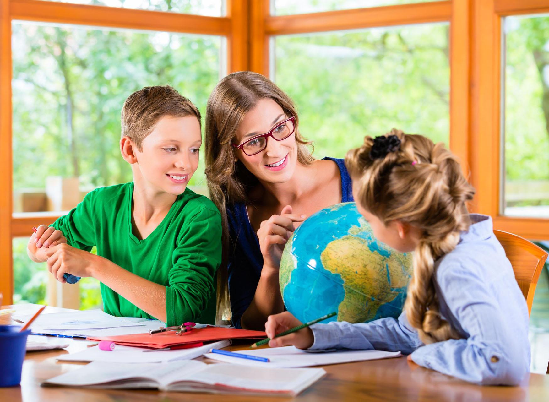 Lắng nghe để truyền thông và làm cho tương quan giáo dục trở nên phong phú