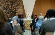Mẹ Yvonne Reungoat, được bổ nhiệm là thành viên của Thánh Bộ các Dòng tu