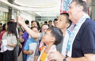 Cha Bề Trên cả gặp gỡ và nói chuyện với các anh em hội viên SDB ở Macao