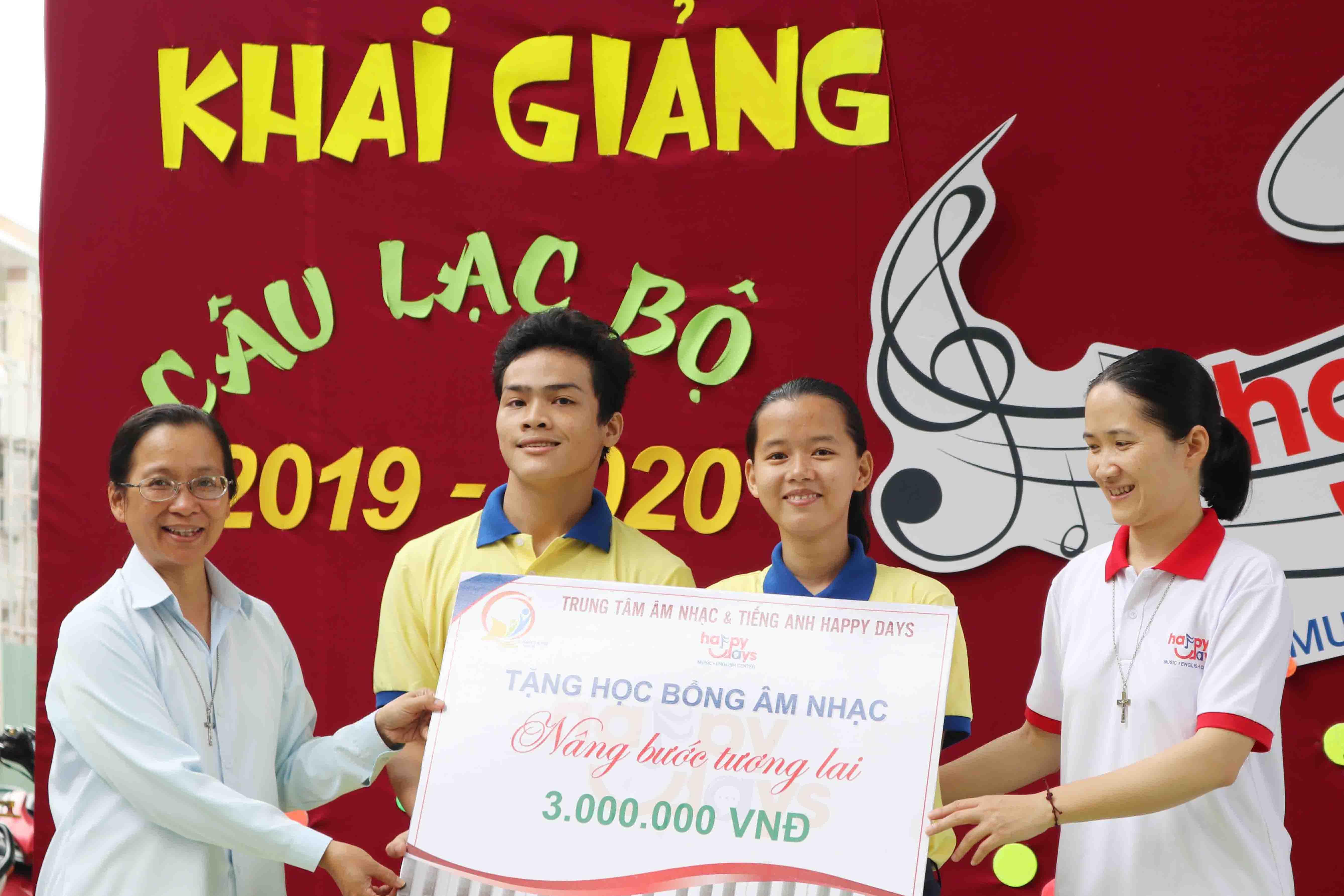 Khai giảng câu lạc bộ Âm nhạc và tiếng Anh cho trẻ em có hoàn cảnh khó khăn - FMA Tam Hà