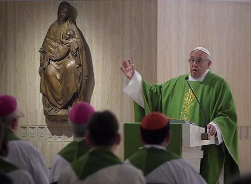 """Đức Thánh Cha: Kitô hữu hay đánh giá mọi sự bằng """"con tim nhỏ nhen"""""""