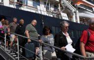 Linh mục tuyên úy củng cố hy vọng cho du khách trên tàu Westerdam không được cập bến