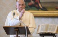 ĐTC Phanxicô xin thánh Gioan Phaolô II cầu nguyện cho hòa bình thế giới