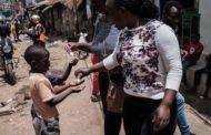 Nữ tu được Tổng thống Kenya vinh danh vì can đảm giúp trẻ em đường phố giữa đại dịch