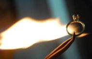 Lửa thử vàng, gian nan thử đức tin