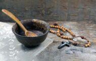 Ăn chay có quá khó đối với bạn không? Hãy ngước nhìn lên Chúa Giêsu trên thánh giá